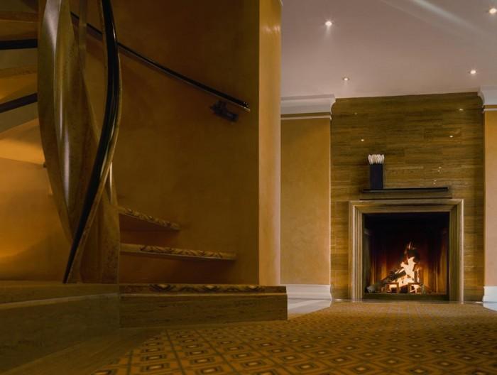 Luxuriöse Suite im Hotel Bayerischer Hof mit Kamin