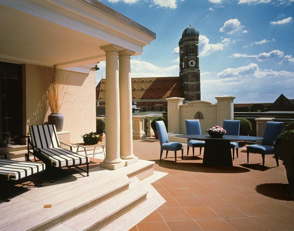 Hotel bayerischer hof in m nchen suiten mit whirlpool for Zimmer mit whirlpool bayern