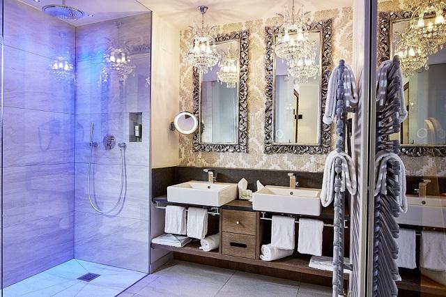 Hotel k nig ludwig in schwangau exklusive suite mit whirlpool - Ludwig badezimmer ...
