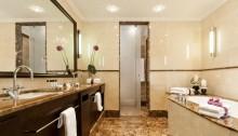 Badezimmer in der Parkhotel Suite des Ameron Parkhotels in Euskirchen