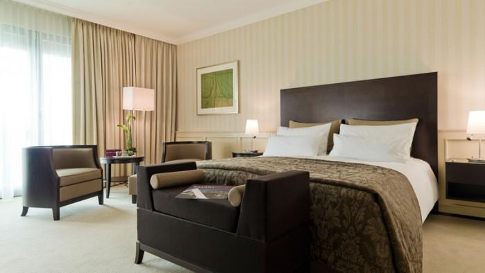 Parkhotel Suite im Ameron Parkhotel mit King-Size Bett