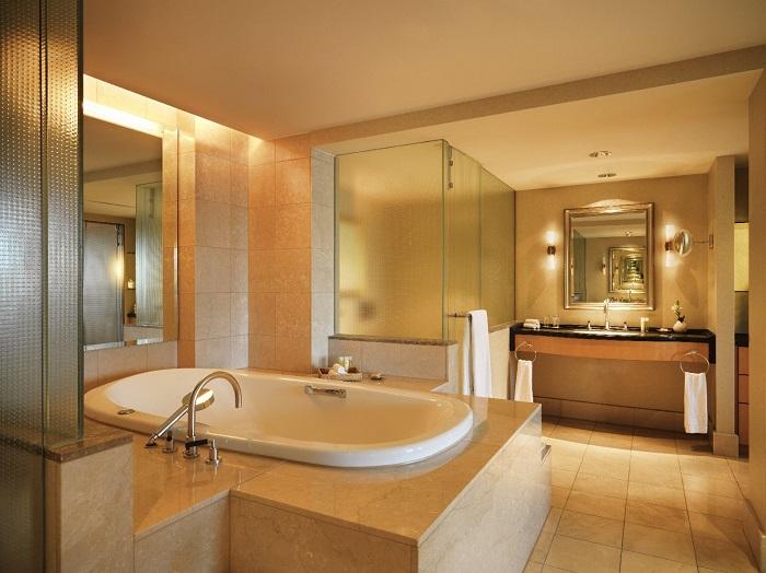 Badezimmer der Präsidentensuite im Hotel Hyatt Regency  in Köln