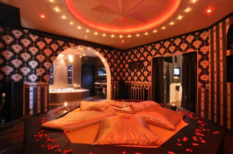 Schlafzimmer der exquisiten Traumnacht Suite des Erlebnis Suite Resort