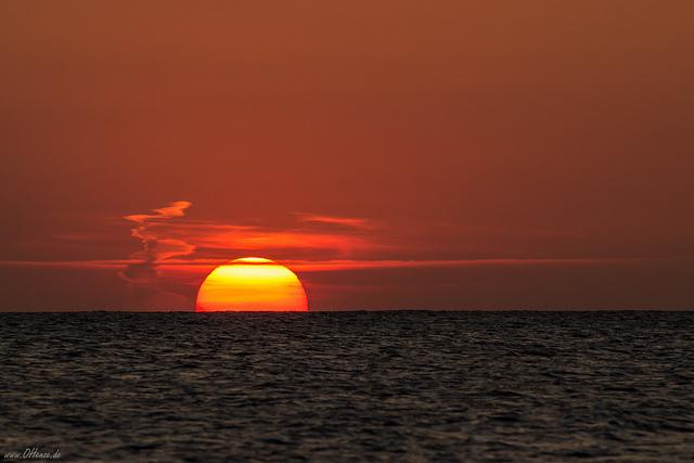 Romantischer Sonnenuntergang an der Ostsee